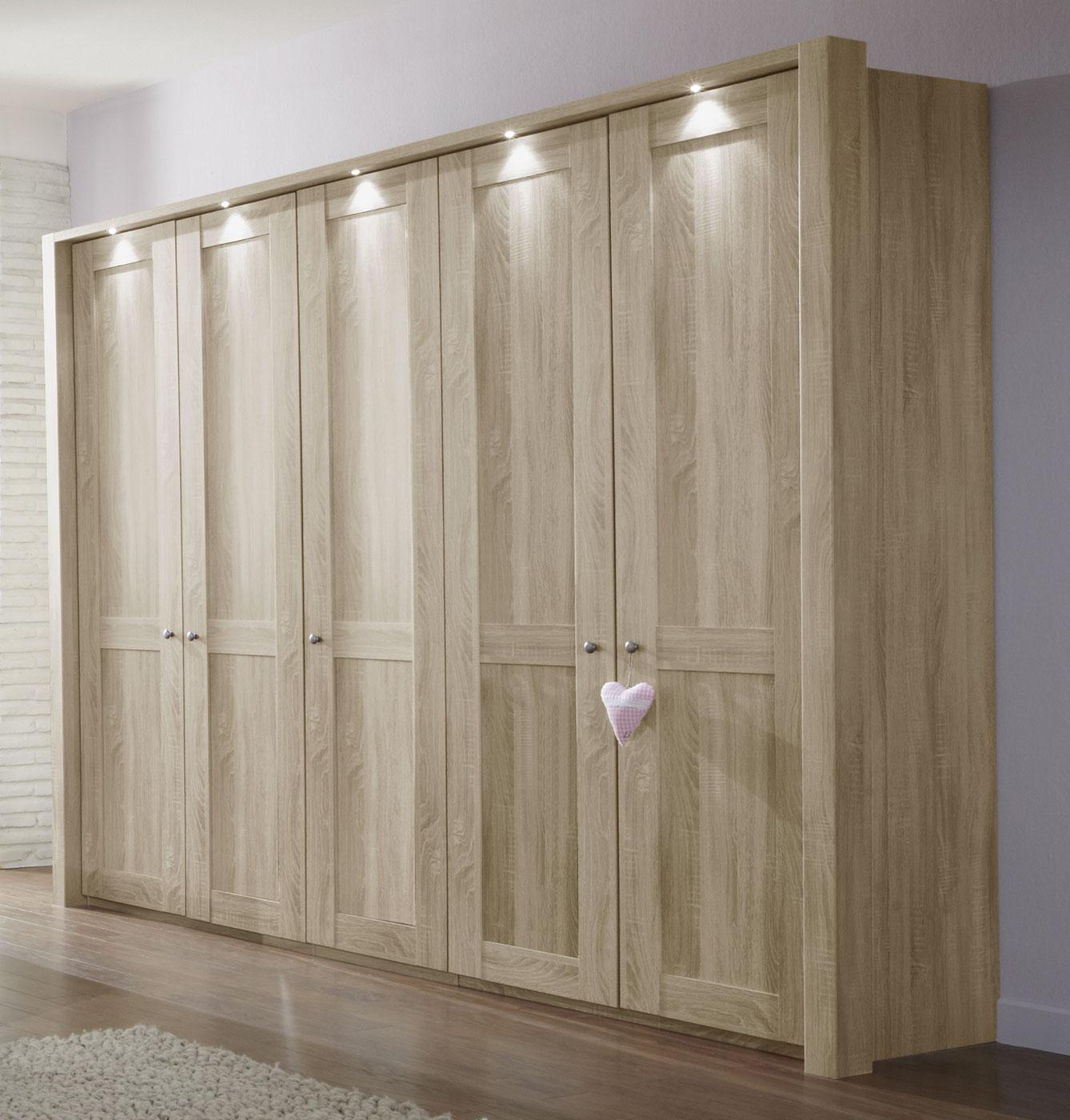 beleuchtung begehbarer kleiderschrank begehbarer kleiderschrank schranksysteme f r ordnung. Black Bedroom Furniture Sets. Home Design Ideas