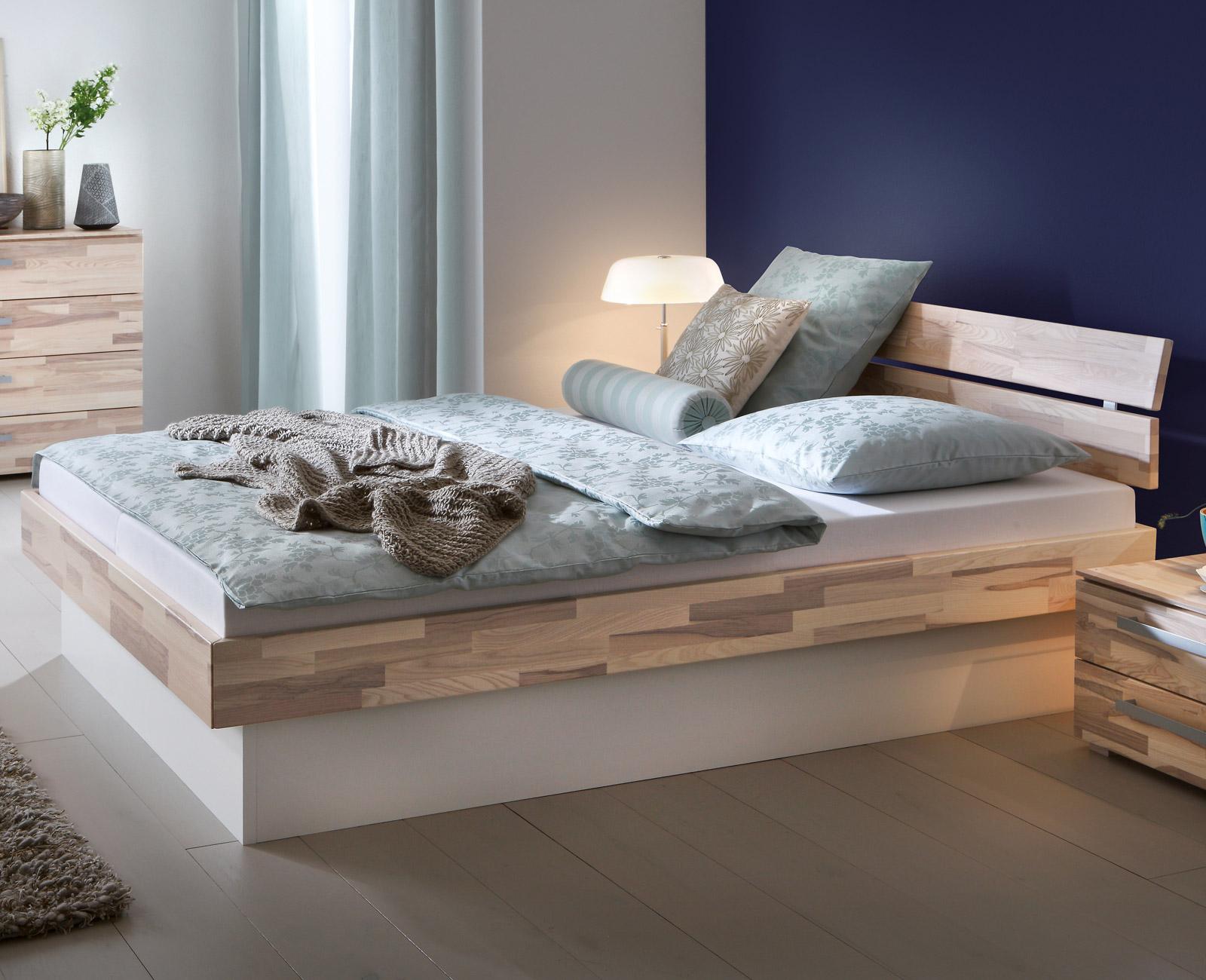 Betten Mit Bettkasten sockelbett aus heller kernesche mit bettkasten partido