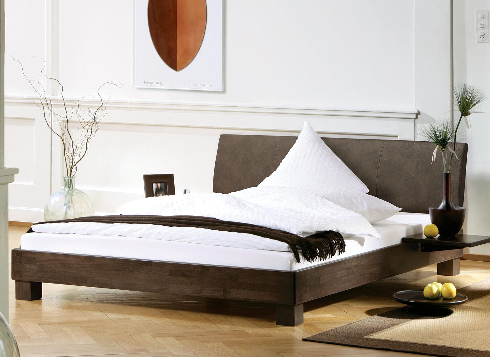 Bett mit Lehne aus Luxus-Kunstleder günstig kaufen - Marbella