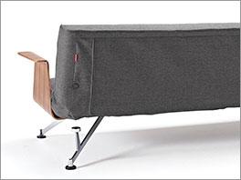 3-Stufig-verstellbares Schlafsofa Burns in dunkelgrau mit Walnuss-Dekor Armlehnen