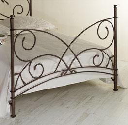 Bett Amarete mit Fußteil in Komforthöhe