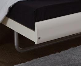 Bett Celaya mit Bettbeinen im jugendlichen Style