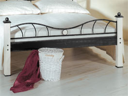 Bett Lavia mit Eisen-Fußteil inklusive Holzornament