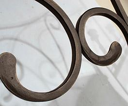 Metallbett San Pedro mit Verzierungen