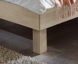 Einzelbett Madrid mit Holzfuß aus Massivholz