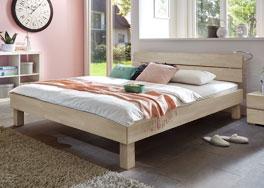 Holzbett Madrid mit Bettgestell in der Bettgröße 160x200cm erhältlich