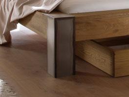 Holzbett Mallero mit robusten Stahl-Bettbein