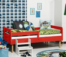 Kinderbett Kids Town Retro mit Buchen-Bettbeinen