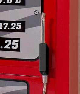 Kleiderschrank Gas Pump mit fest montiertem Türgriff