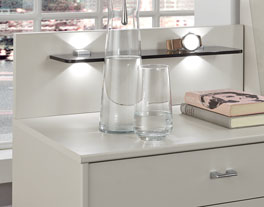 Nachttisch Baria mit optionaler LED-Beleuchtung