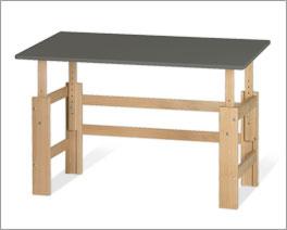 Höhenverstellbarer Schreibtisch Kids Town mit kippbarer Tischplatte