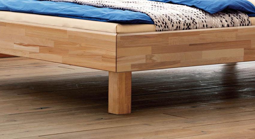 Bett Amerigo mit gerundetem Rahmen und Fueßen
