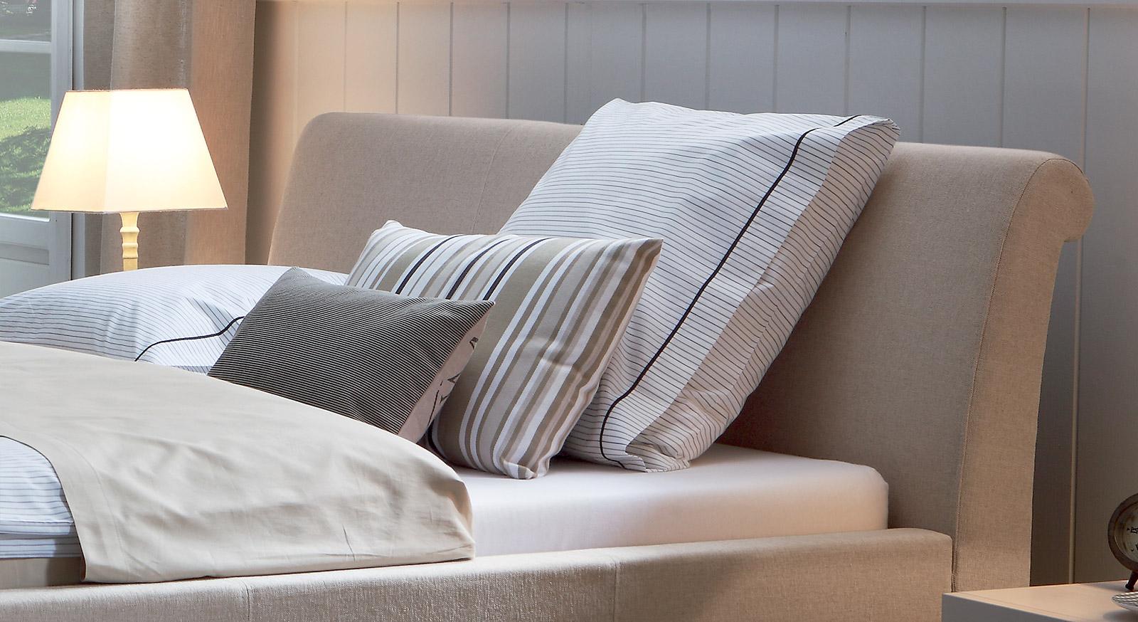 bett 200x220 holz top excellent ostermann betten angebote ostermann bett massivholz x studium. Black Bedroom Furniture Sets. Home Design Ideas