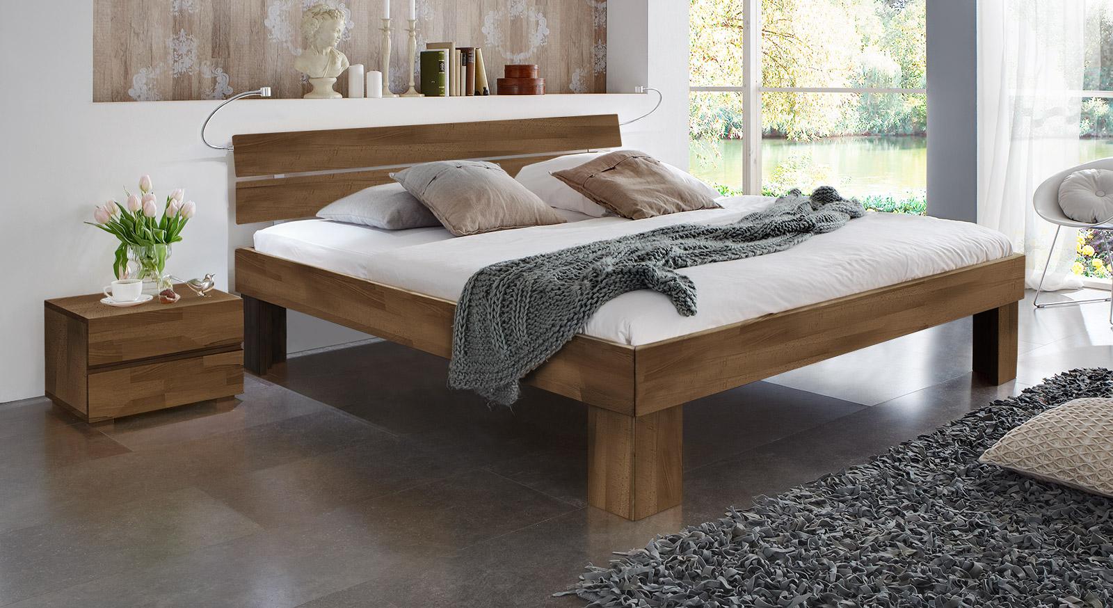 Bett Lucca Komfort in Buche nussbaum mit einer Fußhöhe von 30cm