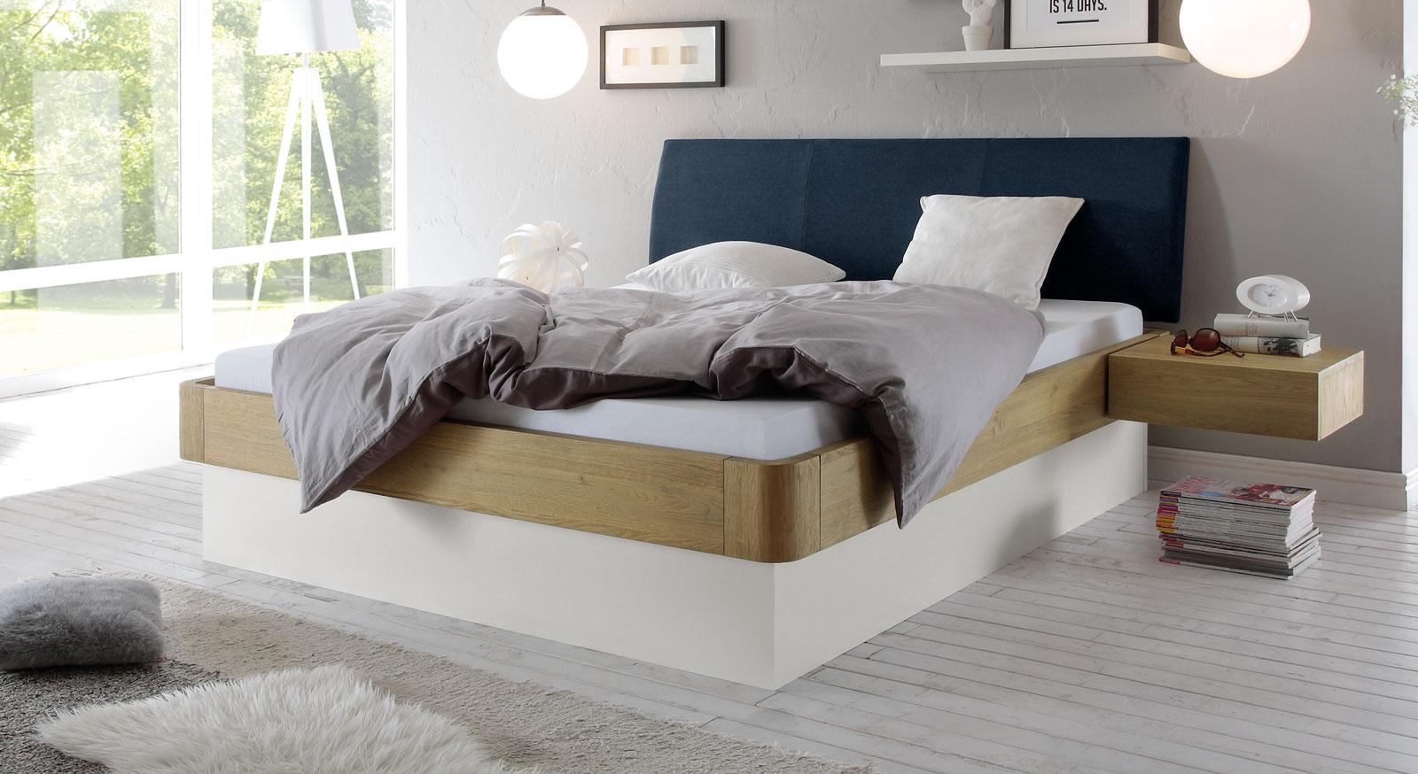 stauraumbett in eiche massiv auch mit lattenrost majuro. Black Bedroom Furniture Sets. Home Design Ideas