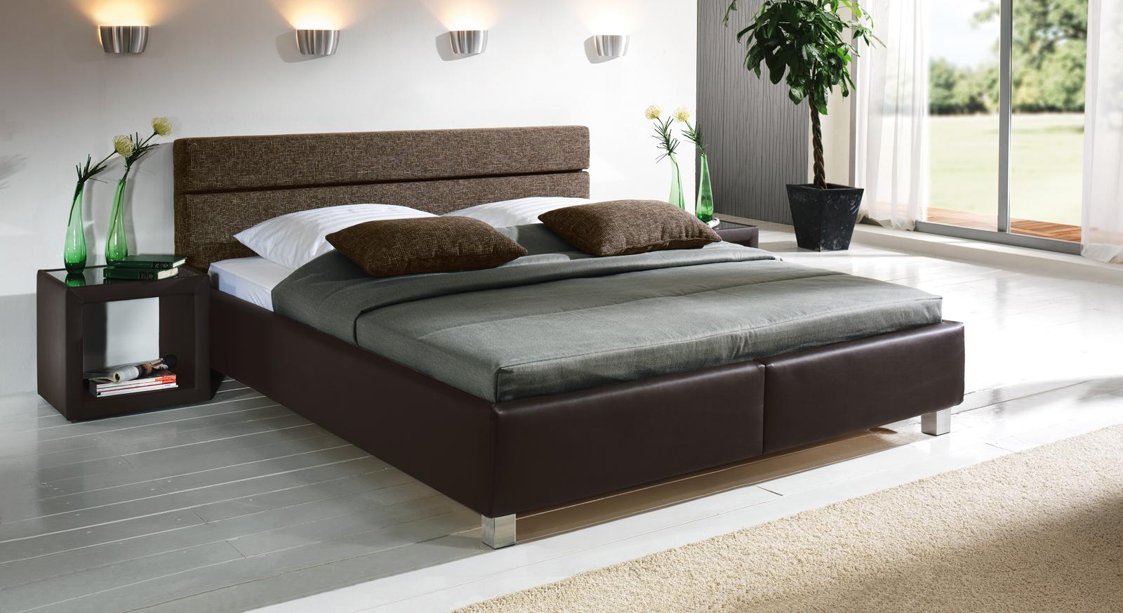 g nstiges polsterbett in schwarzem kunstleder sanremo. Black Bedroom Furniture Sets. Home Design Ideas