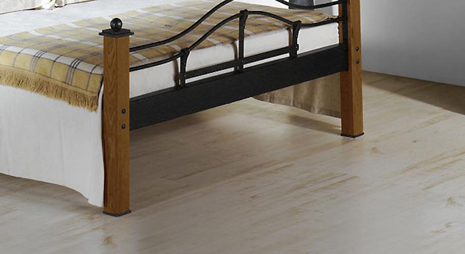 Bett Sinja mit Fußteil aus Holz und Metall