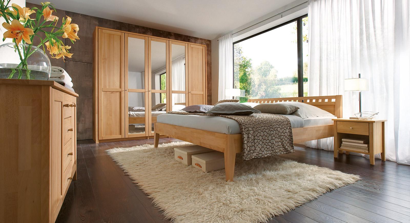Komplett-Schlafzimmer aus massiver Buche - Triest I BETTEN.at