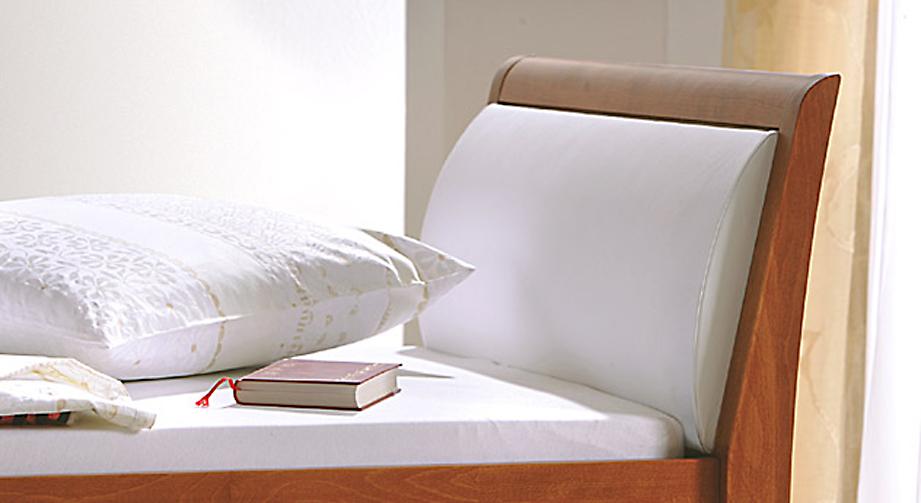 Seniorenbett Cortina mit optionalem Kopfteilpolster weiß