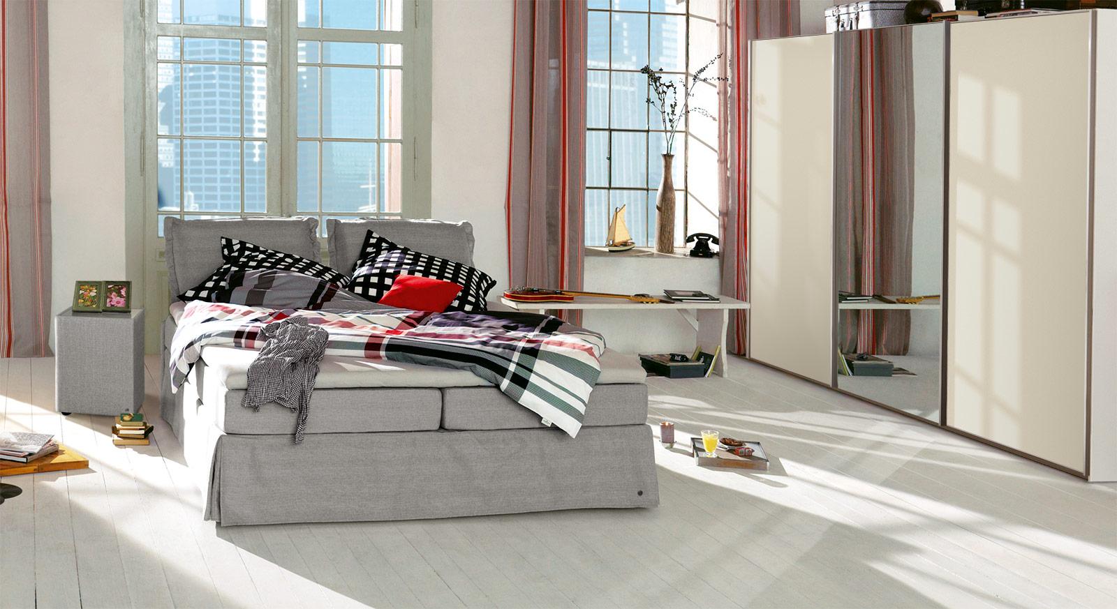 Unifarbenes Boxspringbett Tom Tailor Cushion mit passenden Produkten