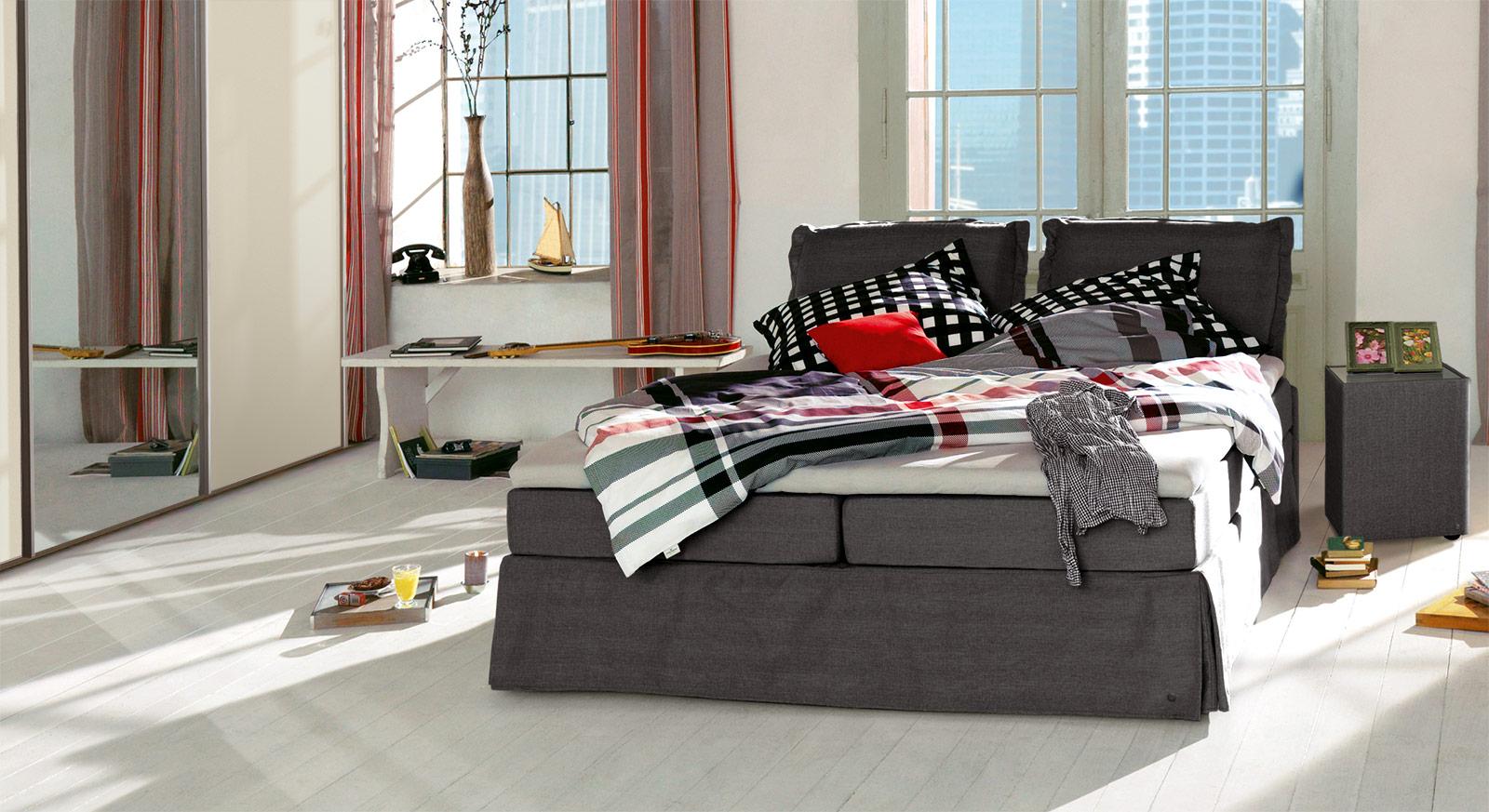 Boxspringbett Tom Tailor Cushion in dunkelgrauem Webstoff
