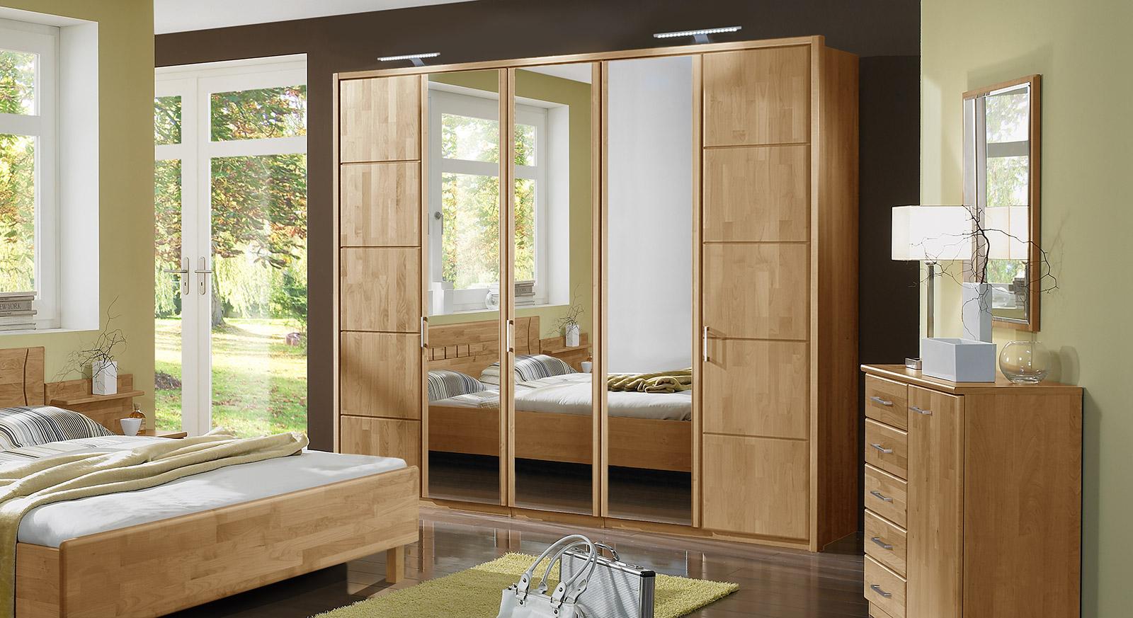 Schlafzimmerschrank mit Drehtüren in Erle teilmassiv - Beyla