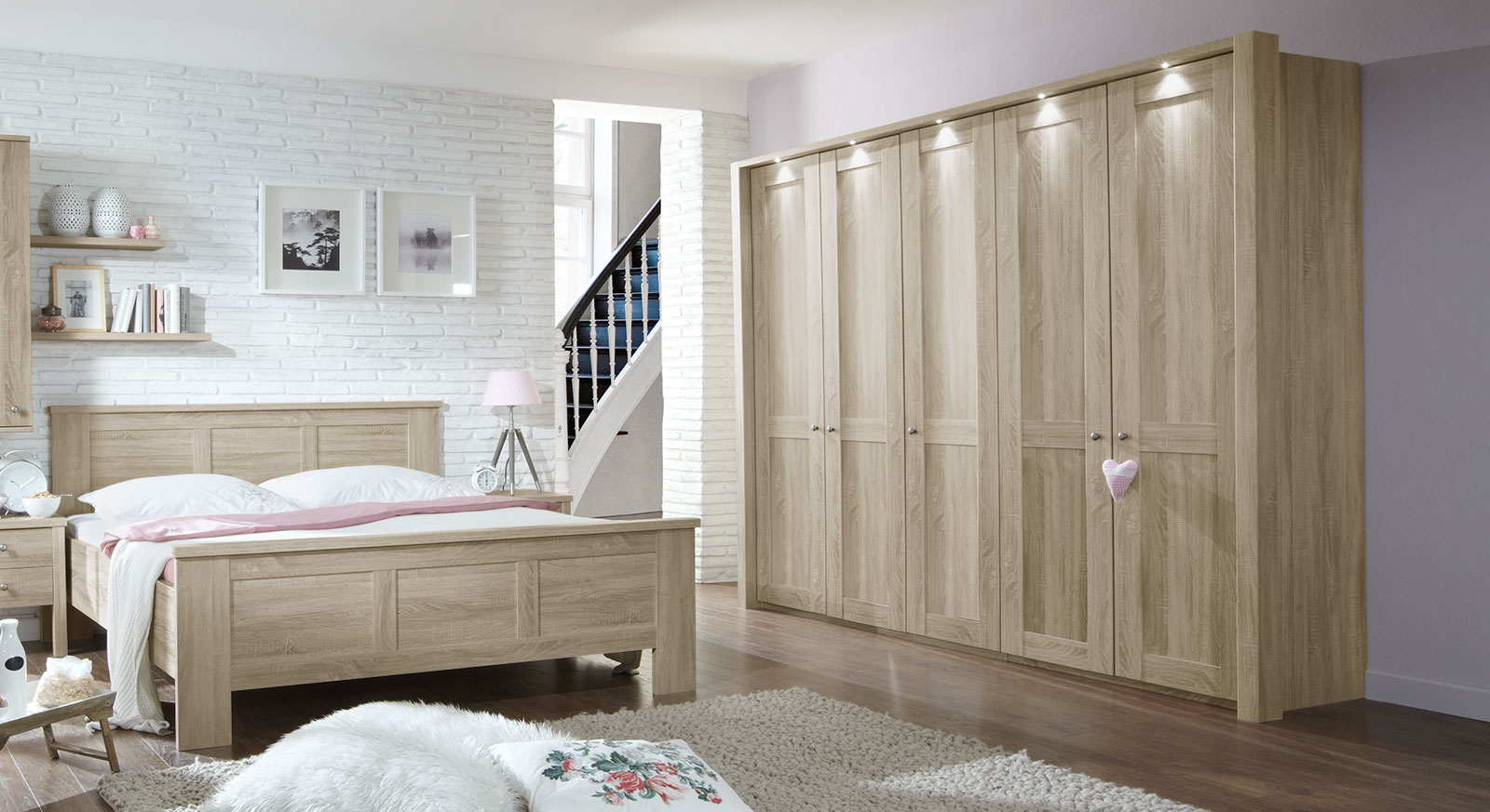 kleiderschrank in eiche s gerau dekor mit beleuchtung farim. Black Bedroom Furniture Sets. Home Design Ideas