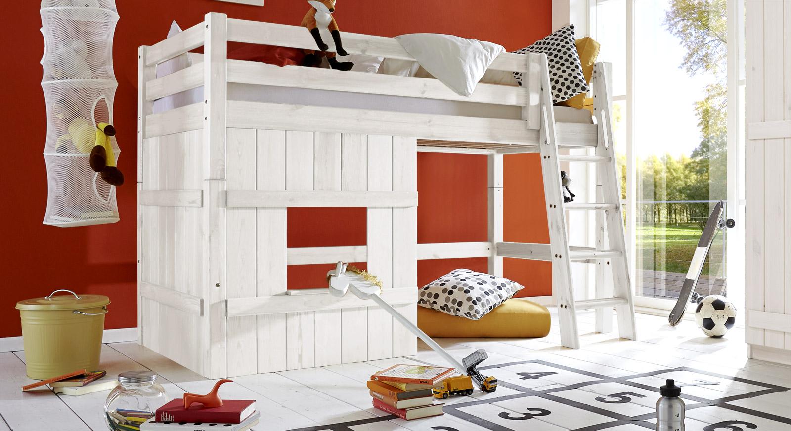 Weißes Hütten-Hochbett Kids Paradise Basic in 140cm Höhe mit schräger Leiter
