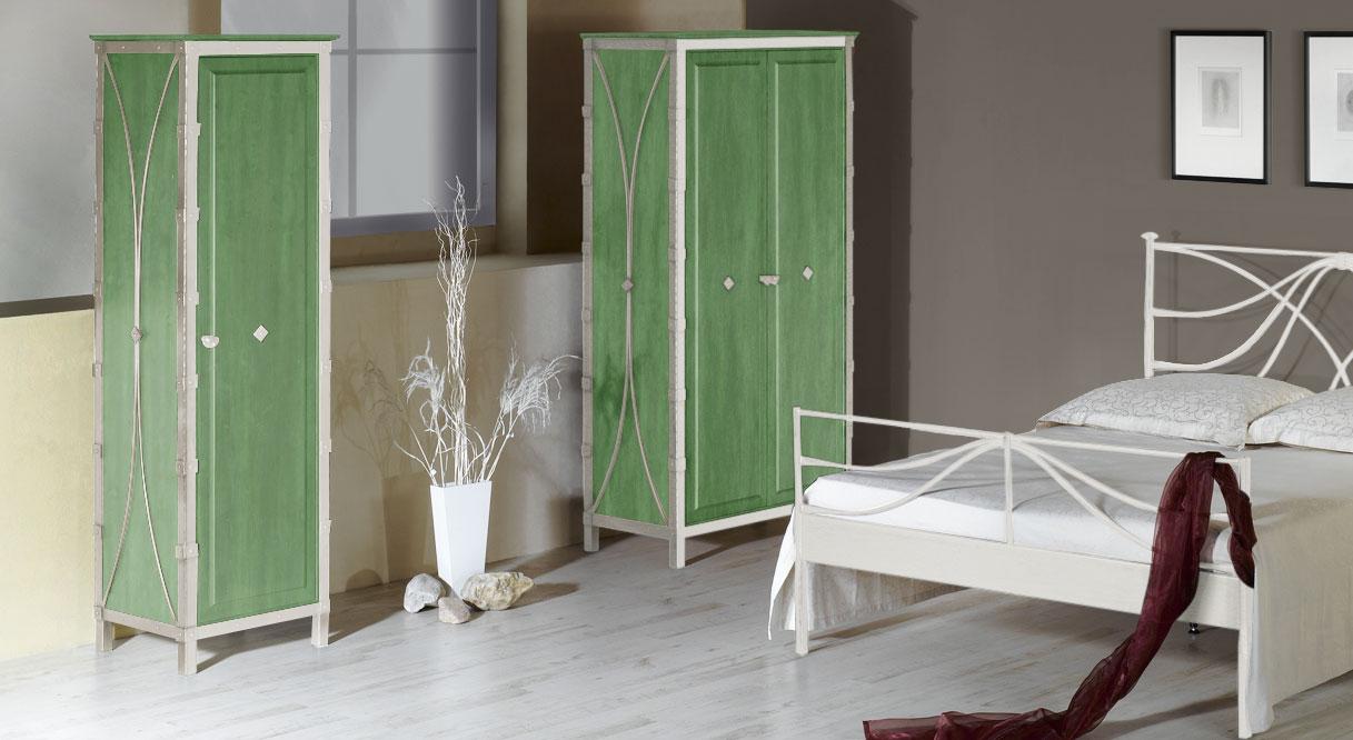 Kleiderschrank Arica in Weiß mit Silber und grüner Eiche