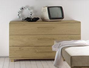 edle kommoden aus stabilem massivholz. Black Bedroom Furniture Sets. Home Design Ideas