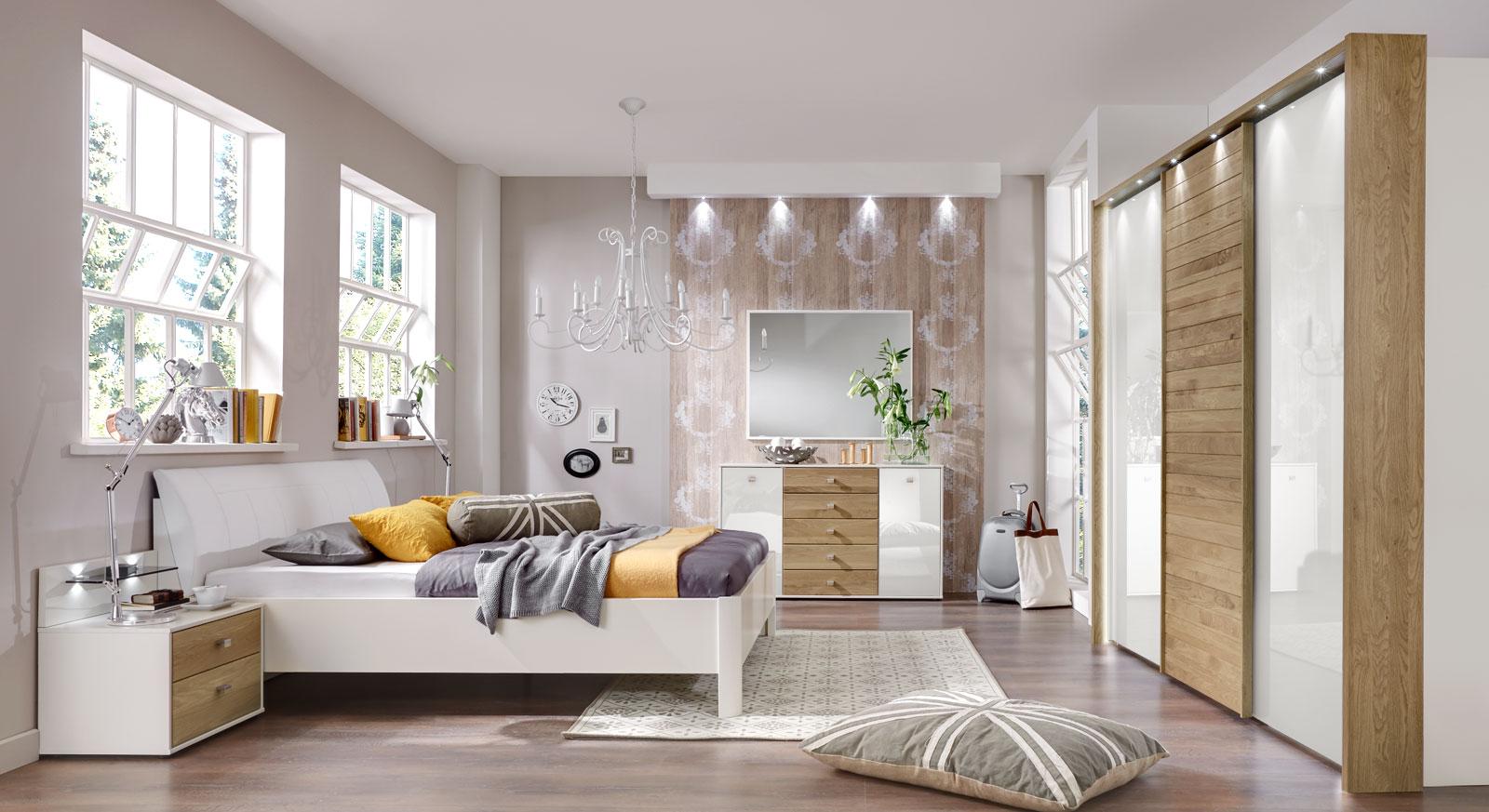 edles komplett schlafzimmer in wei und eiche massiv koga. Black Bedroom Furniture Sets. Home Design Ideas