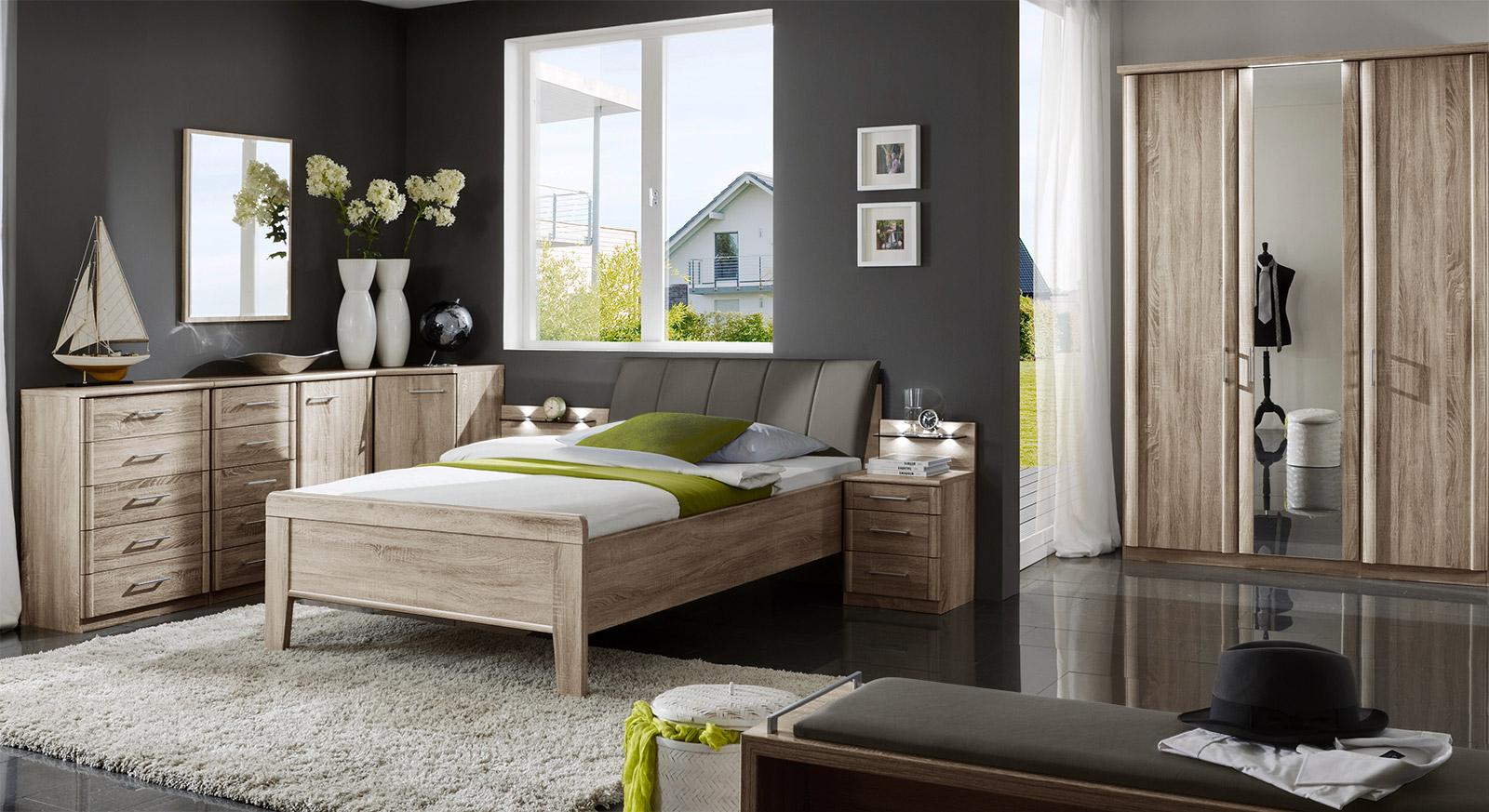Komplett Schlafzimmer Runcorn aus Eiche Dekor mit passenden Produkten