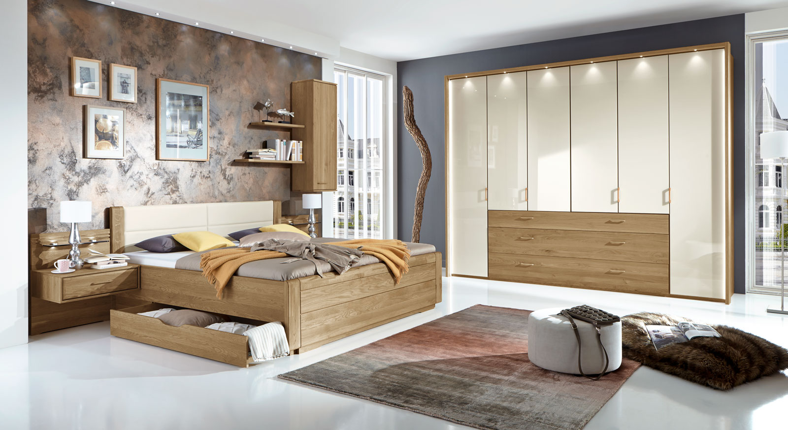 teilmassives schlafzimmer komplett mit schubkastenbett. Black Bedroom Furniture Sets. Home Design Ideas