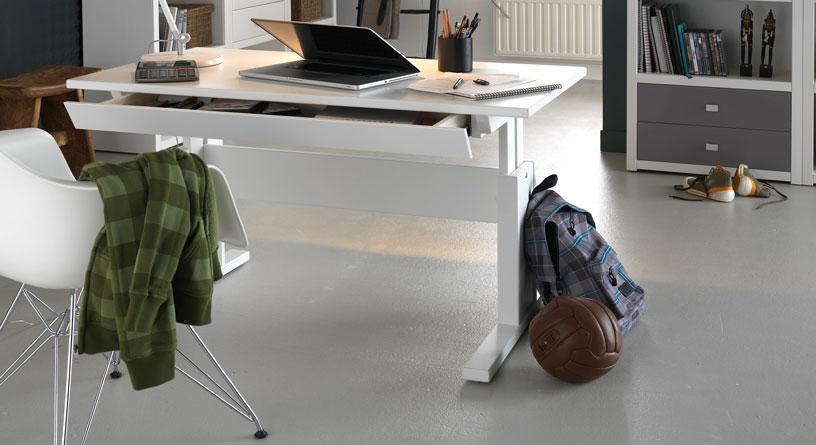 Höhenverstellbarer Lifetime Massivholz-Schreibtisch