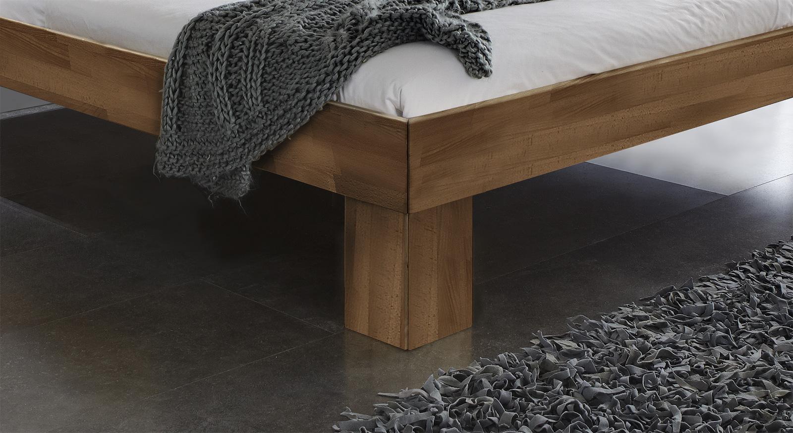 Massivholzliege Lucca Komfort in tollem Design in Nussbaum.