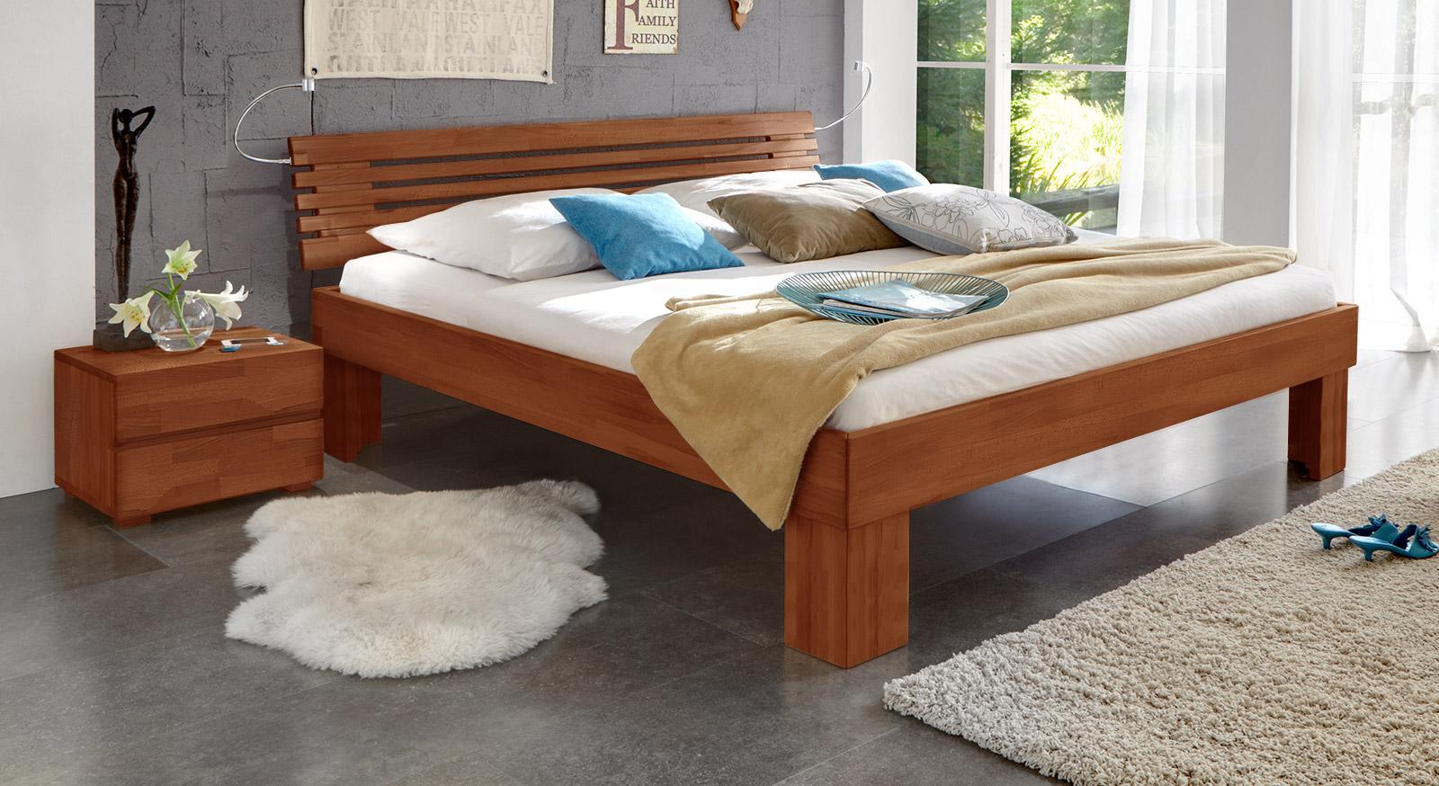 Massivholzbett Wood Romance in kirschbaumfarben 30cm.
