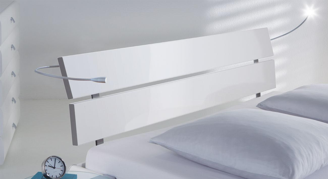 Bett Belluno mit Kopfteil aus MDF