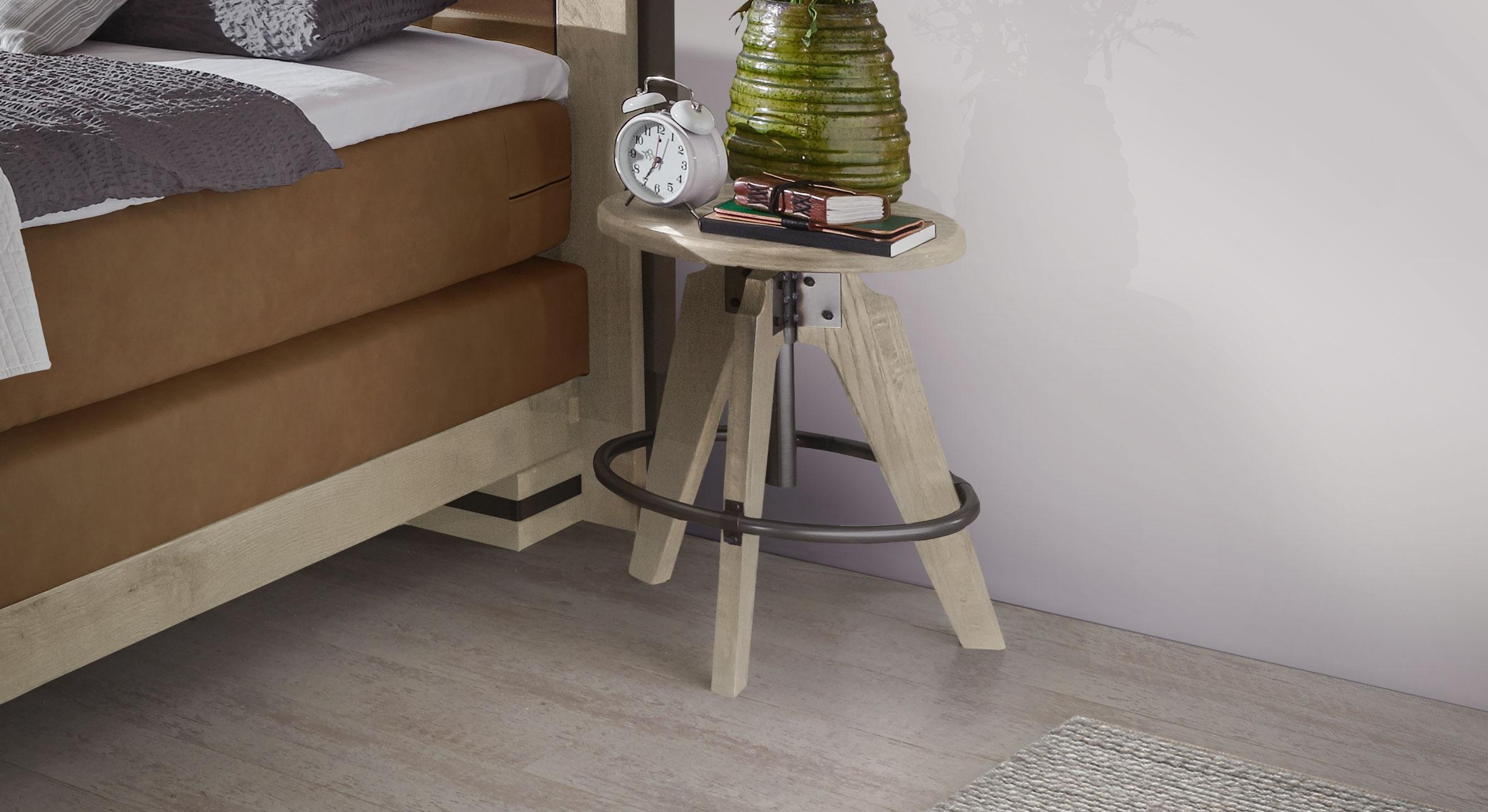 Nachttisch Aronia in Wildeiche weiß