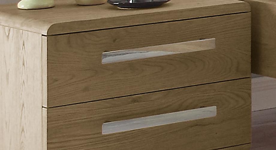 Nachttisch aus heller Eiche mit Griffen aus Chrom