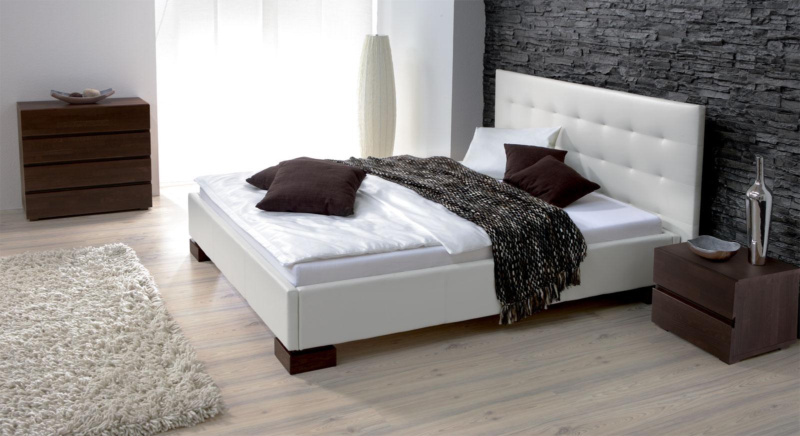 Kunstleder Bett in Überlänge erhältlich - Bett Ruby