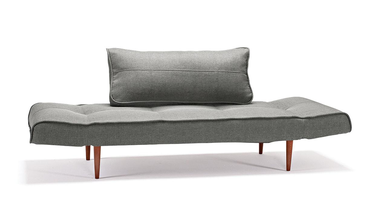 Schlafsofa Lescott in Grau mit massiven Füßen in der Front-Ansicht