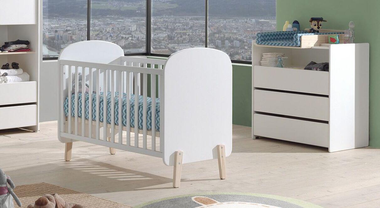 Praktisches Set von Babybett und Wickelkommode Set