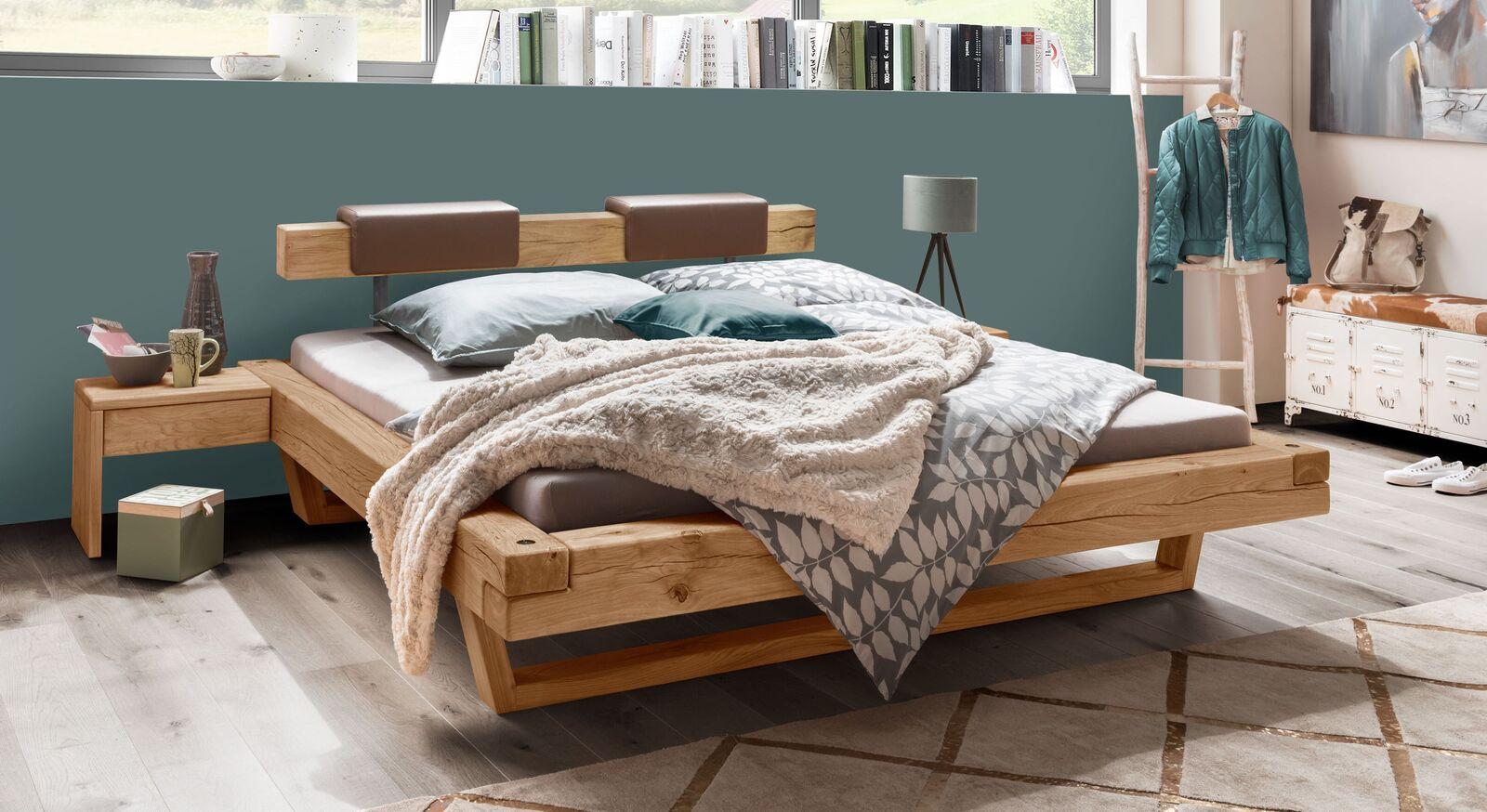 Balkenbett Maramis mit stabilen Holzkufen