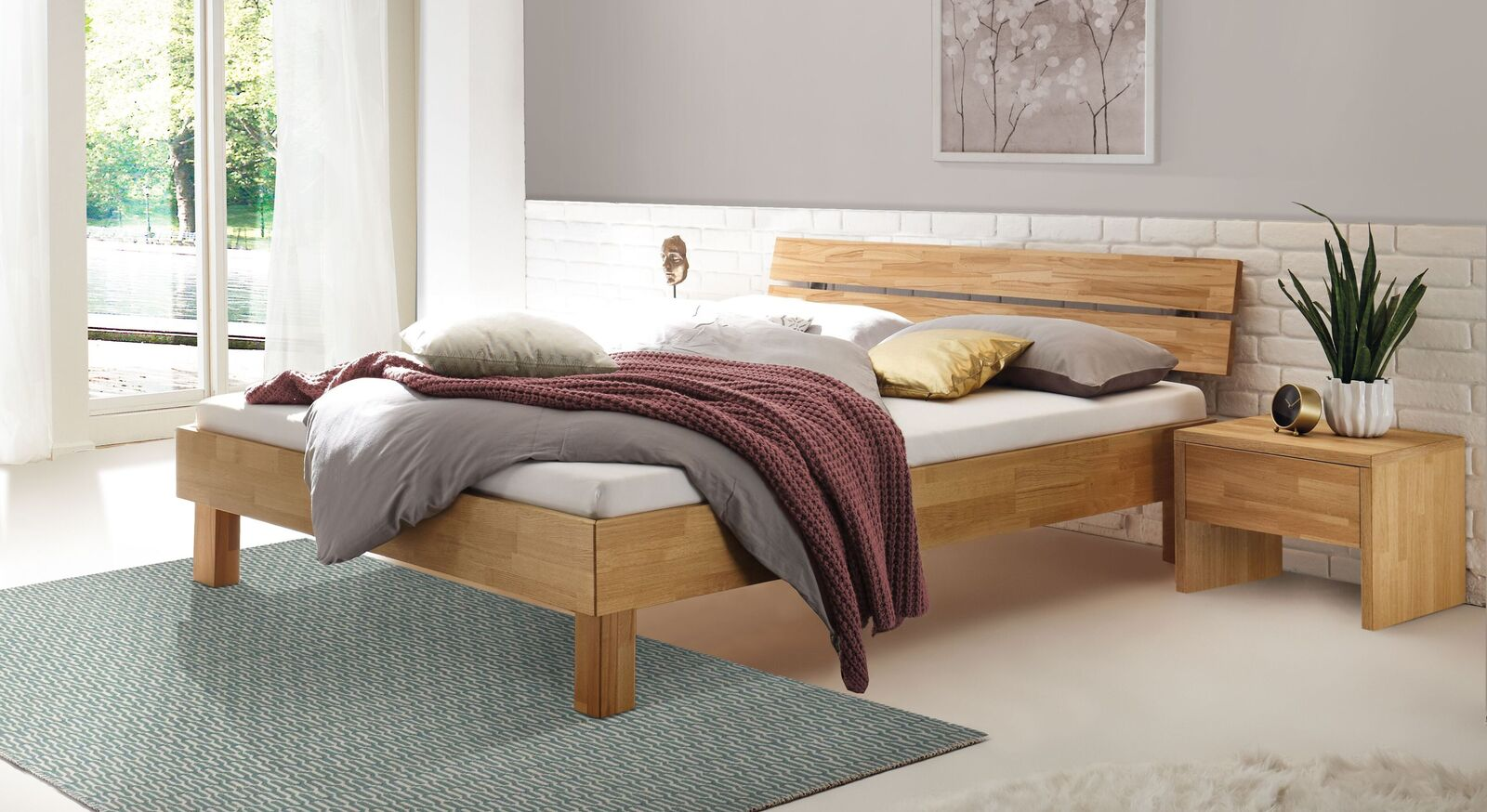 Hochwertiges Bett Advira mit 18 cm Rahmen