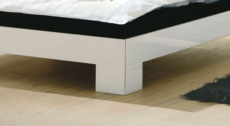 Bett Alamito mit breiten Winkelfüßen