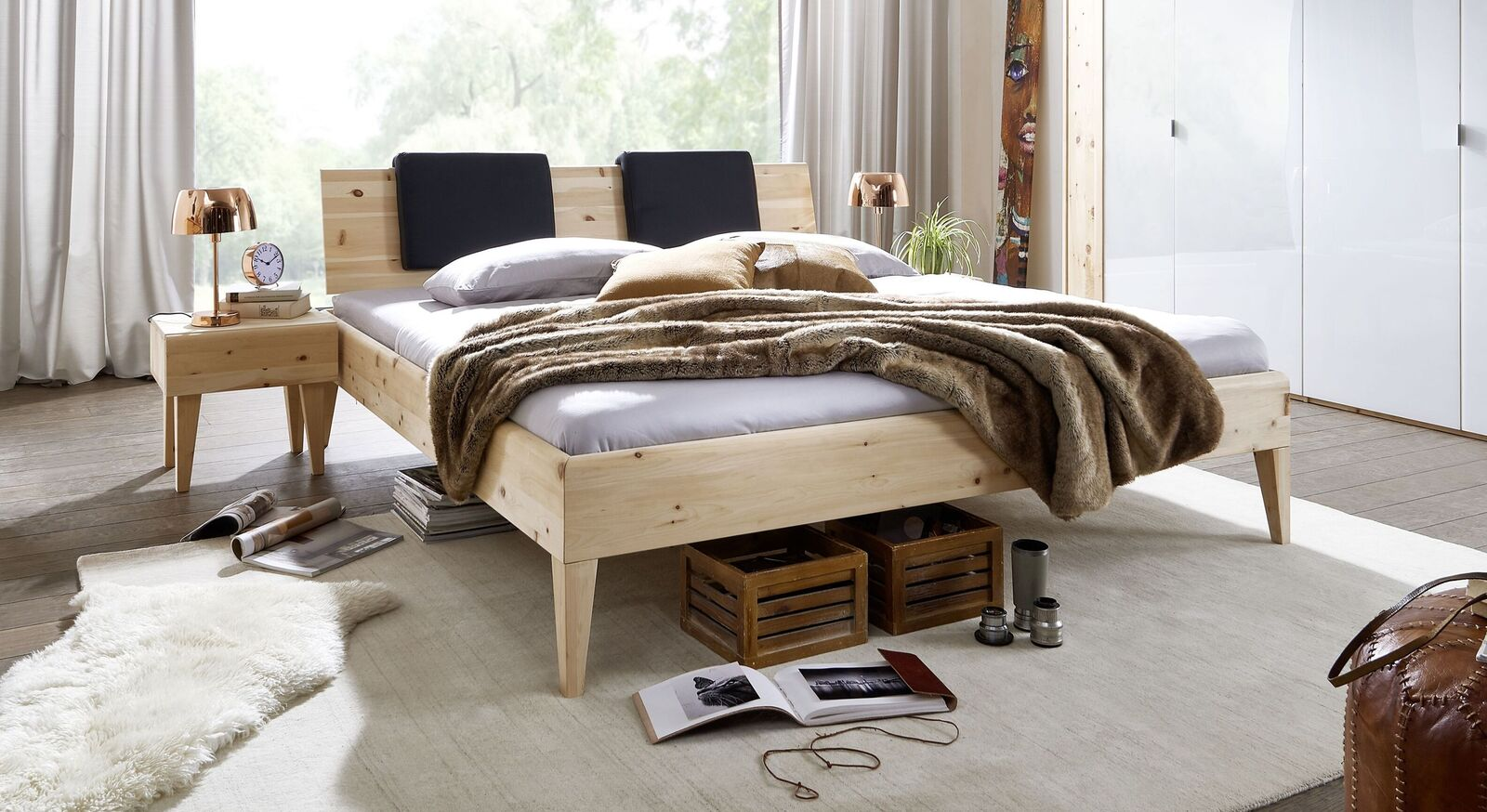 Hochwertiges Bett Alistra aus Zirbenholz
