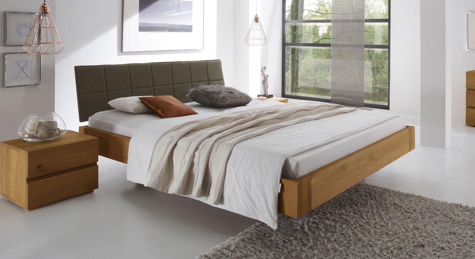 Naturfarbenes Bett Belbari mit Kopfteil in Braun