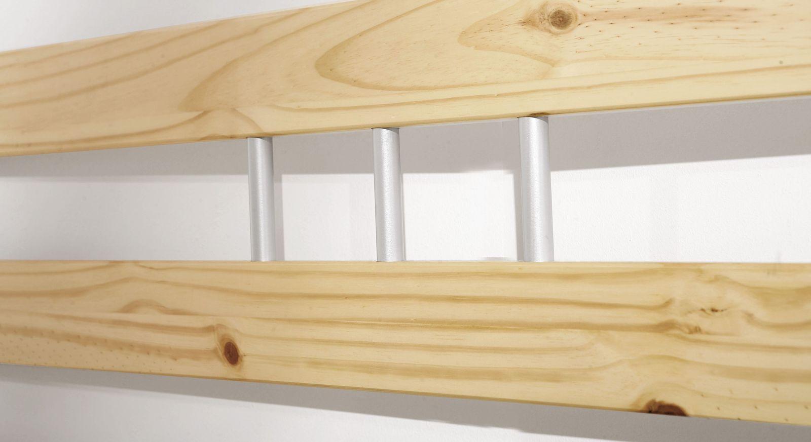 Bett Bregenz mit Metall-Verzierungen am Kopfteil