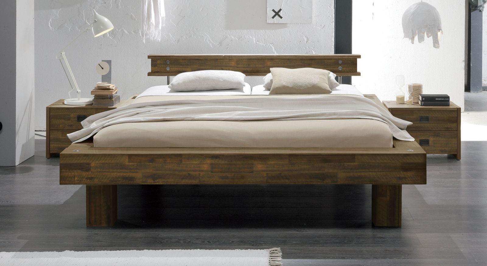 Bett Buena in Braun mit Komfort-Fußhöhe