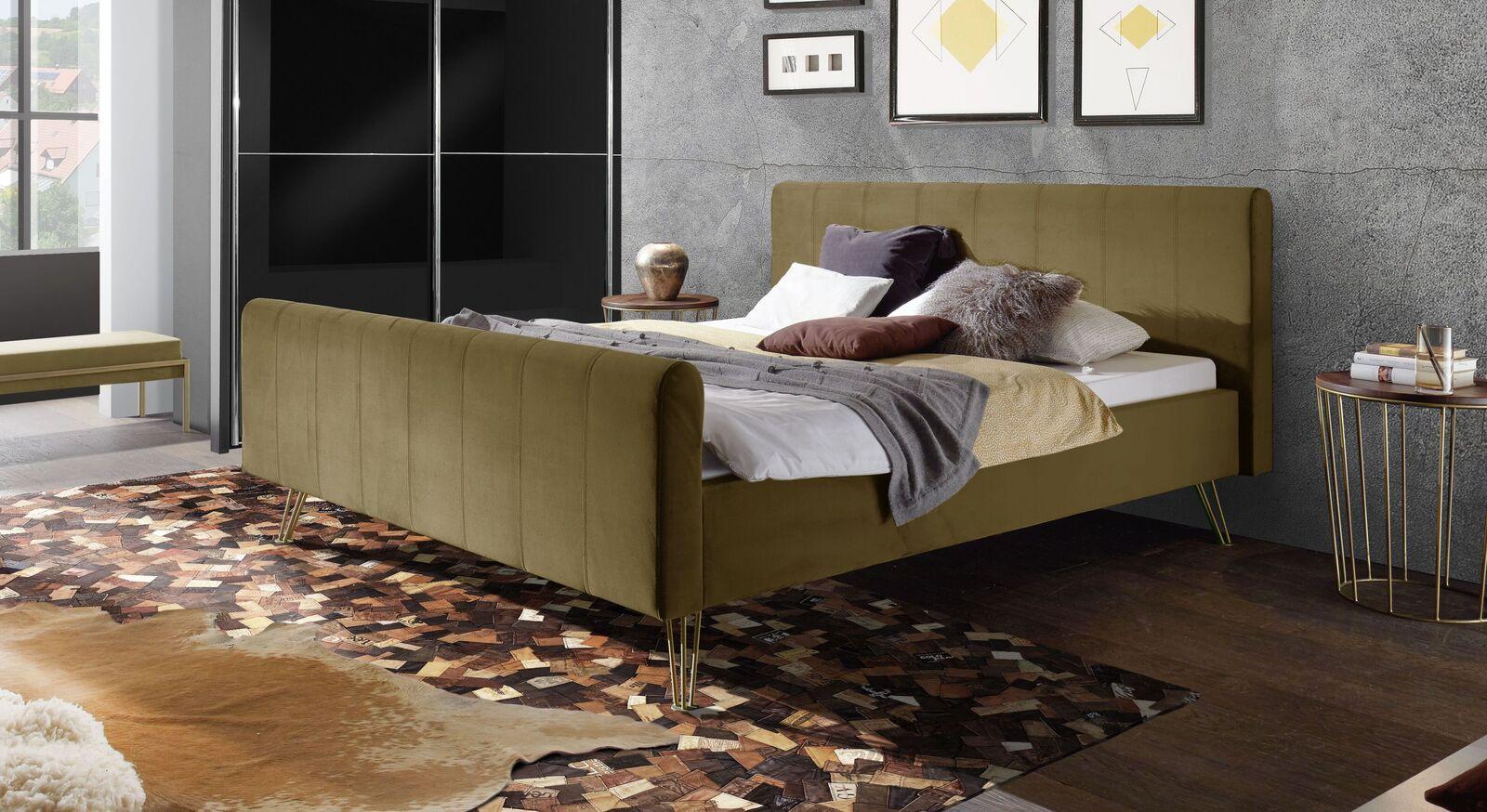 Bett Celica mit khakifarbenem Samtbezug